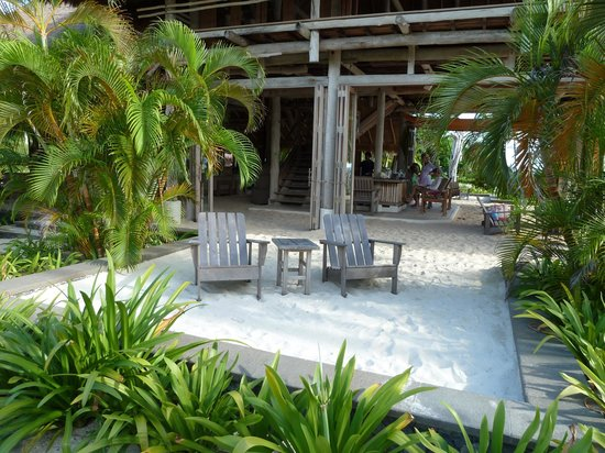 Nikoi Island : Relaxing.