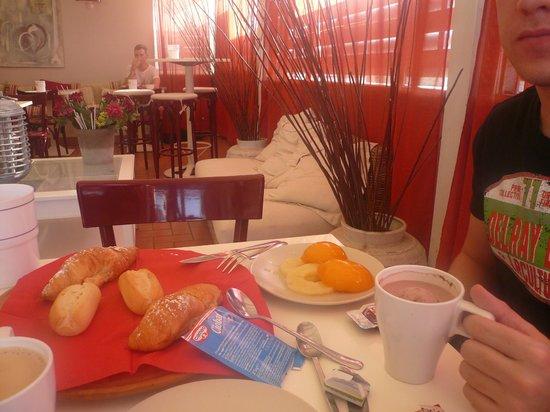 City Guest House : desayuno