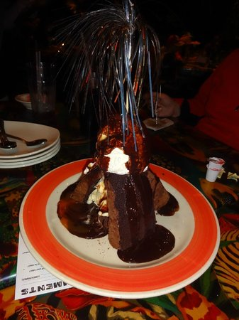 Rainforest Cafe - Disney Animal Kingdom : Volcano dessert