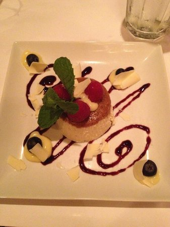 Metro Wine Bar & Bistro : the best cheesecake I've ever had in my life