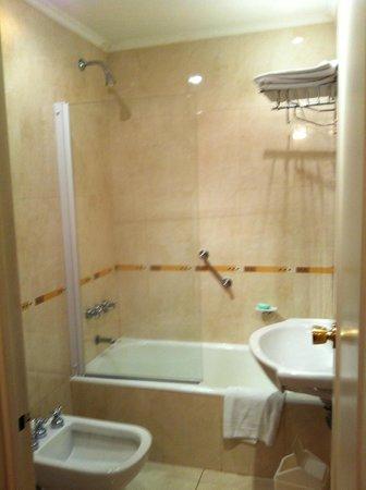 El Conquistador Hotel: Banheiro