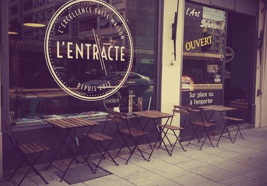 L'ENTRACTE: Terrasse