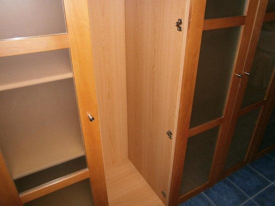THe Mirador Papagayo: al armario le falta una puerta