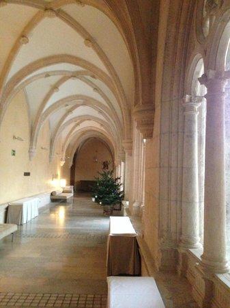 NH Collection Palacio de Burgos: Claustro