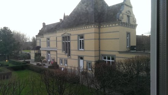 Hoogenweerth Suites: The mansion as a view
