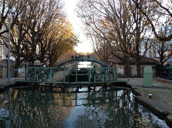 Canauxrama: the bridges frame the canal