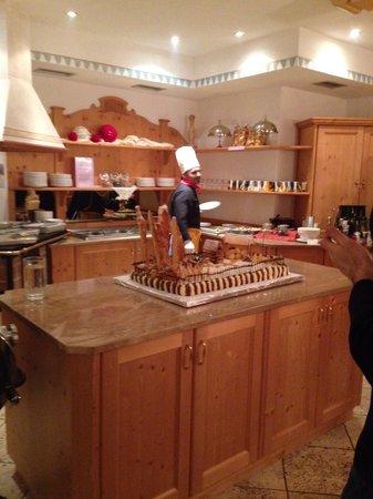Family Wellness Hotel Renato: La torta del giovedì