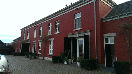 Hoogenweerth Suites: The building of the suites