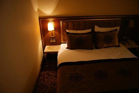 Hotel Antea: Bed