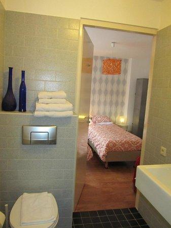 Flynt B&B: Habitación desde el cuarto de baño