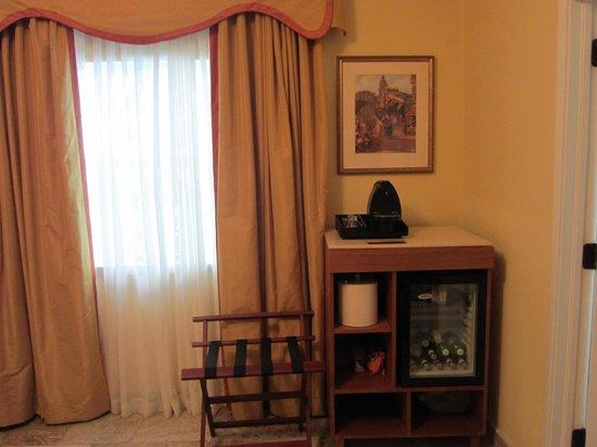 Impala Hotel: Room