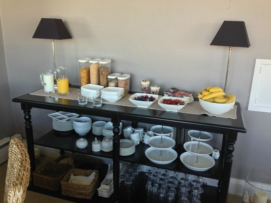 Strandeen Bed and Breakfast: Our breakfast