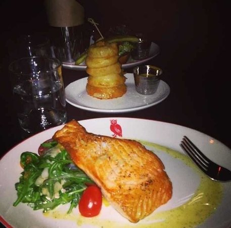 Red Owl Tavern: Salmon dinner