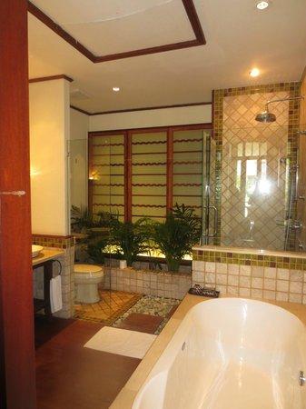 Ariyasomvilla: Loved the bathroom
