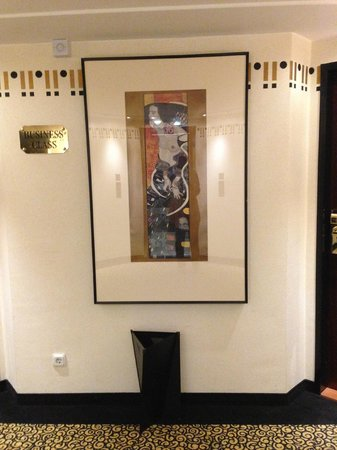 Hotel Am Konzerthaus Vienna MGallery by Sofitel : Reproduction Klimt paintings
