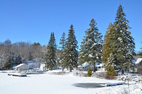 Tornado's Canadian Resorts: Winter view on one part of the Main Lodge Cottages