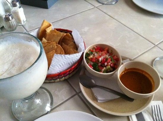 Cafe de Olla: the most amazing pinadas with the complimentary chips and salsa