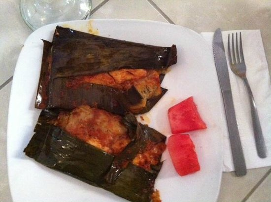 "Cafe de Olla: chicken tamale ""appetizer"""