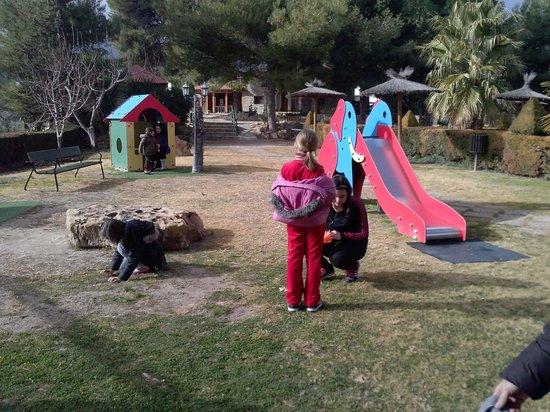 Casas Rurales La Caraba: uno de los parques infantiles