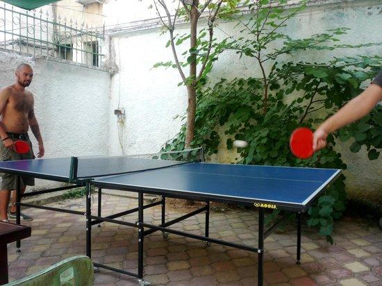 Trip'n'Hostel : table tennis