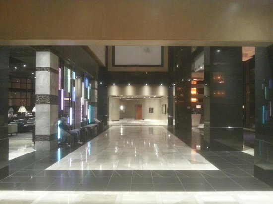 Hyatt Regency Johannesburg: Lobby area