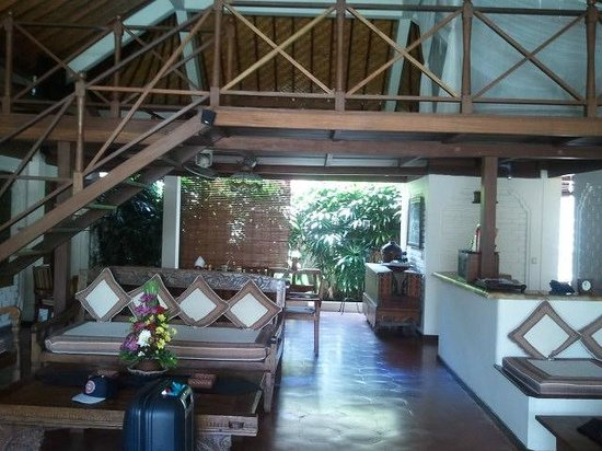 Dyana Villas : Dining & tv area (upstairs)