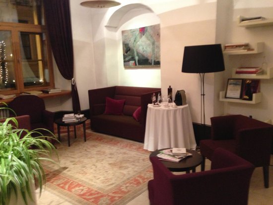 Dome Hotel & SPA - Relais & Chateaux: Около Ресепшн