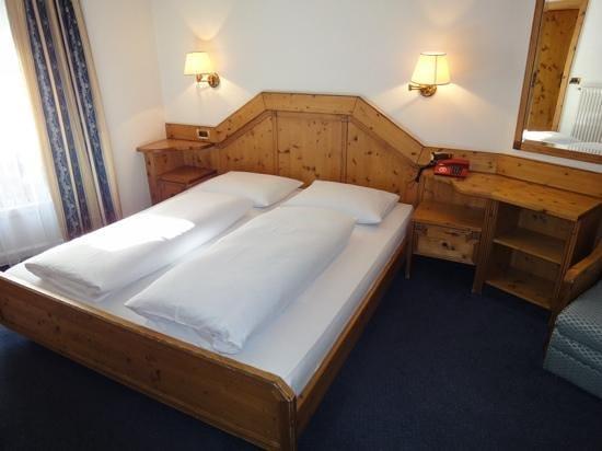 Hotel al Lupo: Zimmer