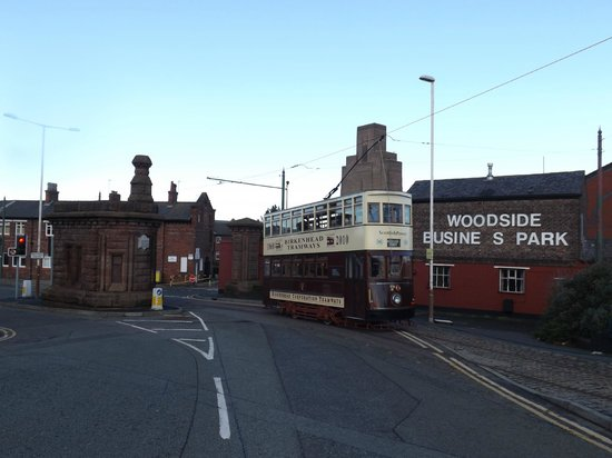 Wirral Transport Museum: Street running