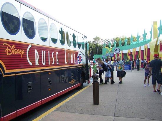 Disney's All-Star Sports Resort : arrêt de bus