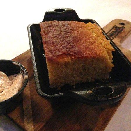 Swank Southern Kitchen: Cornbread