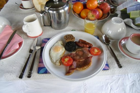 Four Seasons B&B: The Full English