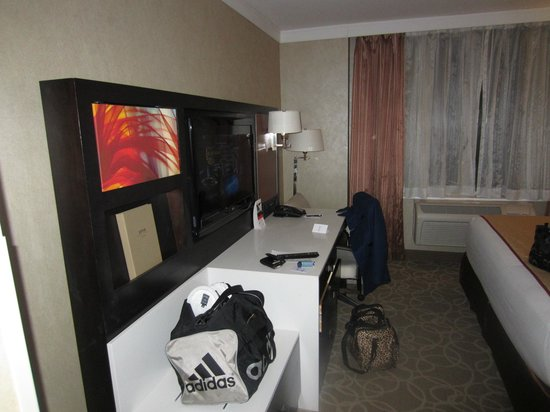 Staybridge Suites Times Square - New York City : king studio suite, 21st floor