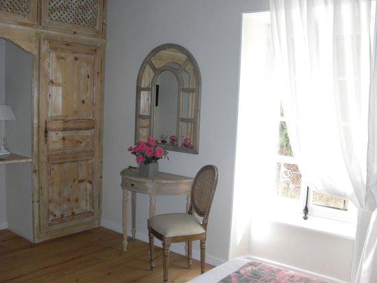 Domaine de la Capelle: chambre Dame Blanche de Laurac