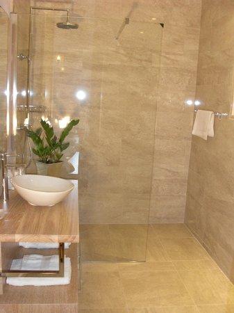 Domaine de la Capelle: Salle de bains -Dame Blanche de Laurac