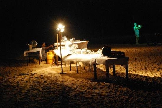 AVANI Bentota Resort & Spa : Beach Feast