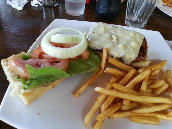 Bar-B-Q & Grill Tres Hermanas : hamburger di cervo