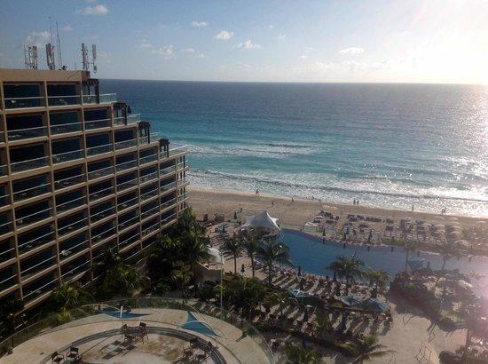 Hard Rock Hotel Cancun: 9th floor view looking Northeastward