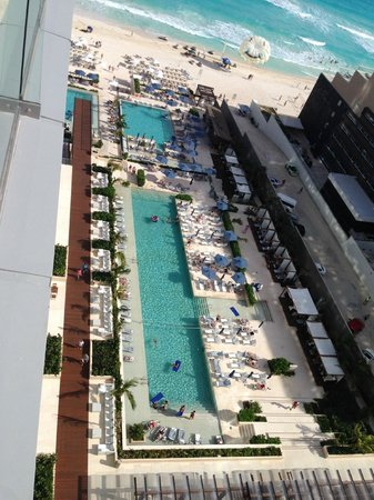 Secrets The Vine Cancun: view of the pool from room