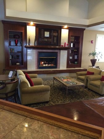 Radisson Hotel Phoenix / Chandler: lobby