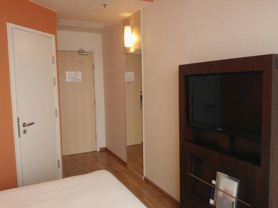 Ibis Hong Kong Central & Sheung Wan Hotel: room