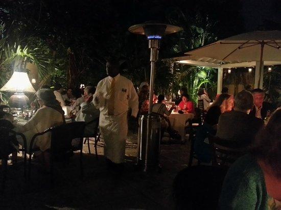 Cafe Matisse : Garden dining