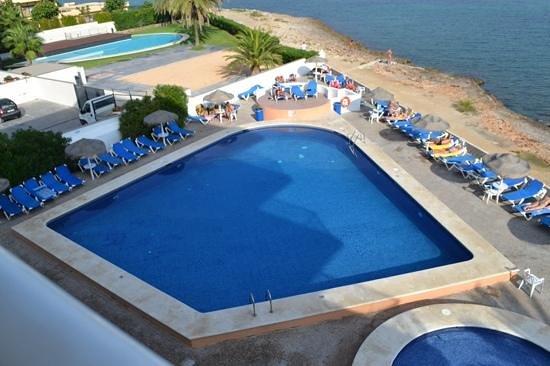 azuLine Hoteles Mar Amantis I & II: the pool