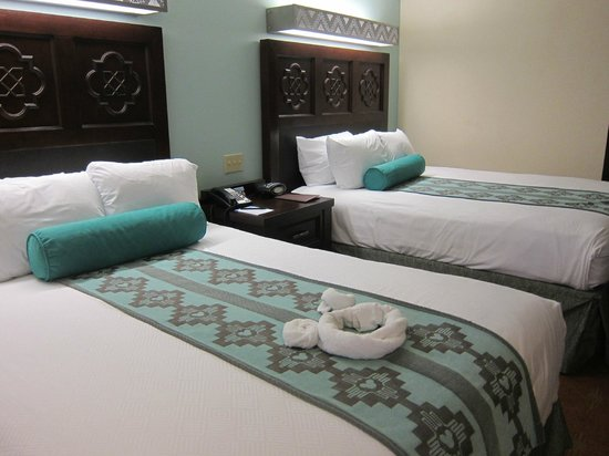 Disney's Coronado Springs Resort: room