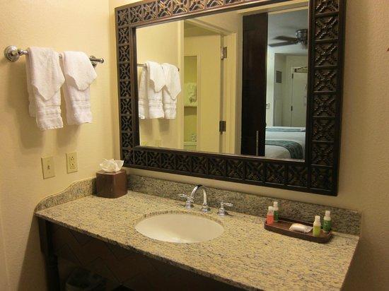 Disney's Coronado Springs Resort: sink area
