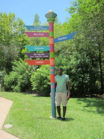 Disney's Coronado Springs Resort: which way?