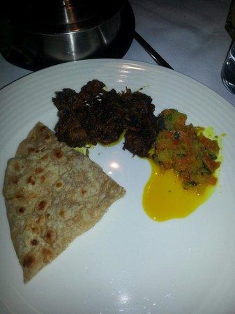 Thali & Tandoor: Dry meat curry & pratha