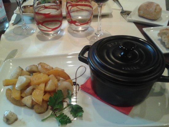 Le Grapillon: quenelle de veau sauce Brie de Melun! très bon