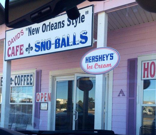 David's Sno-Balls: Outside entrance