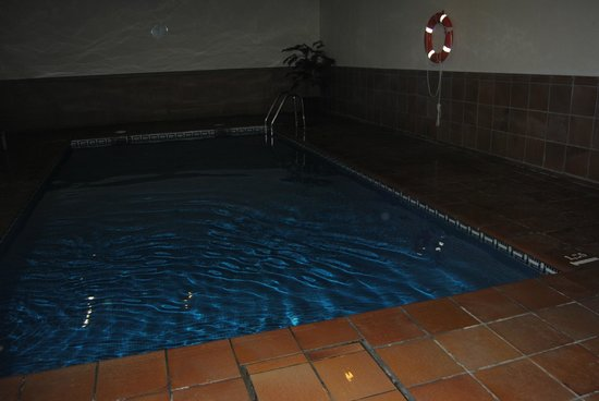Parador de Limpias: piscina cubierta